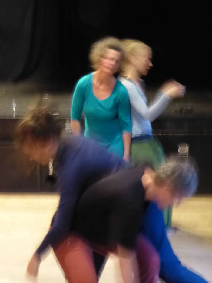 Contact improvisation - class into jam
